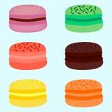 一套蛋白杏仁饼干的不同的颜色 免版税库存照片