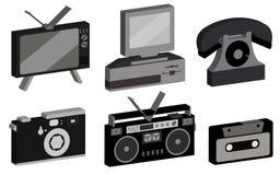 一套行家,古董,老,古色古香,照相机,个人计算机,录音磁带记录器,卡型盒式录音机,盘电话,从8的电视 库存例证