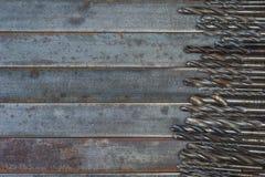 一套金属、木头和其他材料的使用的钻头 在 库存照片