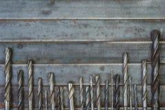 一套金属、木头和其他材料的使用的钻头 在 库存图片