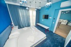 一家五星旅馆的公寓的一间卧室, Kranevo在保加利亚 库存照片