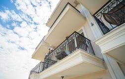 一家五星旅馆的标准房间阳台在Kranevo,保加利亚 免版税库存照片