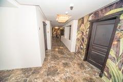 一家五星旅馆的走廊在Kranevo,保加利亚 免版税库存照片