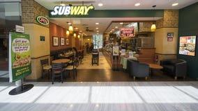 一家地铁餐馆在樟宜机场 免版税库存图片