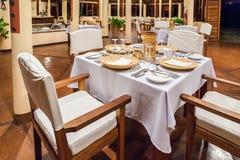 一家热带餐馆的表 免版税库存图片