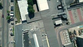 一家老工厂的空中下来上面视图 股票视频