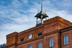 一家老纺织品工厂的美妙地被更新的门面 免版税图库摄影