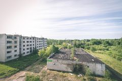 一家老被放弃的苏联医院的内部-葡萄酒影片effe 免版税库存照片