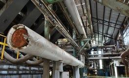 一家被放弃的工厂的内部看法 库存图片
