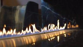 一家豪华旅馆的灼烧的壁炉 影视素材