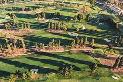一家高尔夫球场乡村俱乐部的鸟瞰图在LA的 免版税图库摄影