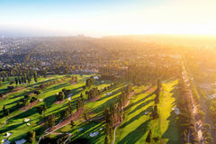 一家高尔夫球场乡村俱乐部的鸟瞰图在LA的 图库摄影