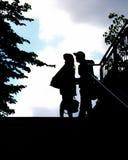 一对夫妇作为剪影 免版税图库摄影