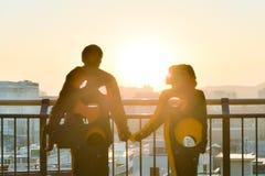 一对夫妇的雕塑在naksan公园 免版税库存图片