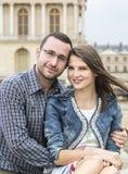 一对年轻夫妇的都市画象 库存照片