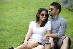 一对年轻夫妇 免版税库存图片