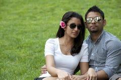 一对年轻夫妇 免版税图库摄影
