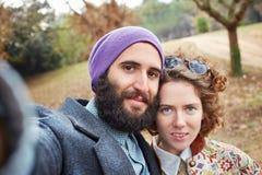 一对年轻行家夫妇的Selfie 免版税库存图片