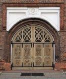 一对Basillica的门在考纳斯 免版税库存图片