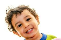 一小男孩微笑 免版税图库摄影
