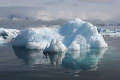 一座冰山在南极洲 库存照片