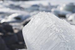 一座冰山的纹理在vatnajokull盐水湖在Icelnad冬天 免版税库存照片