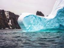 一座南极冰山的细节 库存照片