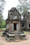 一座古庙的废墟在柬埔寨 免版税图库摄影