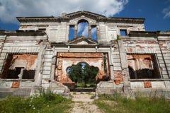 一座古老城堡捷列先科Grod的废墟在Zhitomir,乌克兰 19世纪宫殿  免版税库存照片