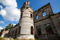 一座古老城堡捷列先科Grod的废墟在Zhitomir,乌克兰 19世纪宫殿  免版税库存图片