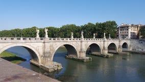 一座古老桥梁在罗马 免版税库存图片