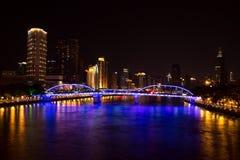 一座古老桥梁在1933年修筑的在广东,广州省,中国,有一个充分的钢制框架的叫海珠桥梁 它是 库存图片