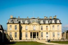 一座古老法国城堡的门面 免版税库存图片
