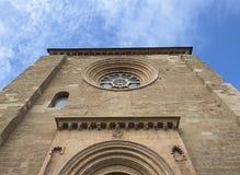 一座哥特式城堡的主要门面 免版税库存照片