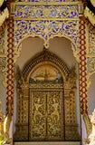 一座塔的惊人的细节在Wat Phra那土井素贴 库存图片