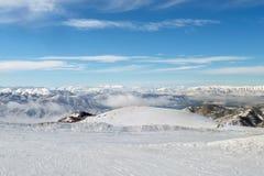 从一座多雪的山的顶端惊人的看法,在弗洛里纳,希腊 免版税图库摄影