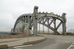 一座大铁桥梁 免版税库存图片