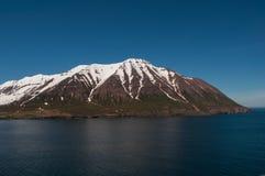 一座山在北部冰岛 库存图片