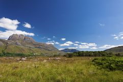 一座山的美好和平静的风景在苏格兰的高地的 免版税图库摄影