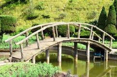 一座平安的小石城桥梁 库存图片