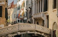 一座桥梁在威尼斯意大利 库存图片