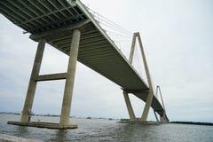 一座桥梁在查尔斯顿 免版税库存照片