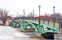 一座桥梁在Tsaritsyno公园在莫斯科 免版税库存图片