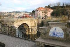 一座桥梁的看法在葡萄牙 免版税图库摄影