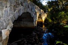 一座桥梁的边的图片在Westford, ma 免版税库存图片
