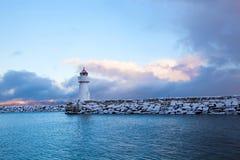 一座灯塔的冬天视图在特隆赫姆 库存图片