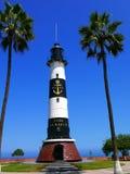 一座灯塔的风景垂直的看法在米拉弗洛雷斯,利马 免版税库存图片