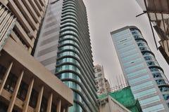 一座现代办公楼在街市香港 免版税库存图片
