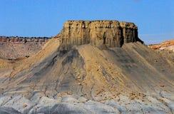 一座美丽的平顶的山在亚利桑那,美国的沙漠 库存照片