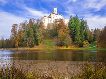一座美丽的老城堡Trakoscan 免版税图库摄影